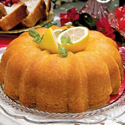 Sprite, 7 Up, and Mountain Dew all work well in this lemon-lime soda cake recipe.