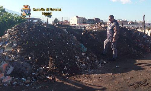 Napoli sequestrato sito per lo stoccaggio abusivo di rifiuti speciali