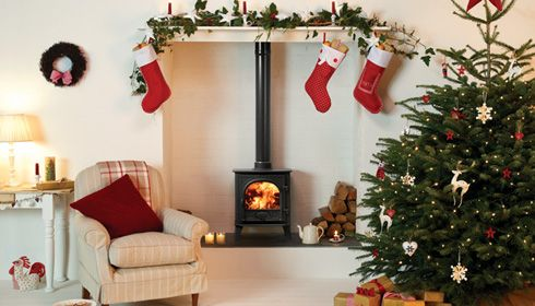 Stovax Stockton 5 Woodburning & Multifuel Stove. The classic dimensions of the Stockton make for an aesthetically pleasing stove, happy to adorn an inglenook or create a stunning focal point in its own right. #Stockton #Woodburning #stove #multifuel #festive #Christmas #xmas #stovax #woodburner