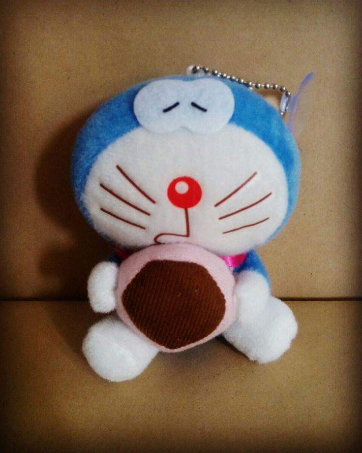 Gantungan Kunci Doraemon tinggi 10-12cm  harga Rp20.000  How to Buy: Ketik nama barang - nama lengkap - alamat lengkap - no hp  Kirim ke: BBM 5BB820D7 Line @rqa4794f  #gantungankuncidoraemon #gantungandoraemon #tokodoraemon #tokodoraemonbandung #pernakpernikdoraemonbandung #jualdoraemon