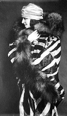 1920s Fashion Women's vintage fashion photography photo image