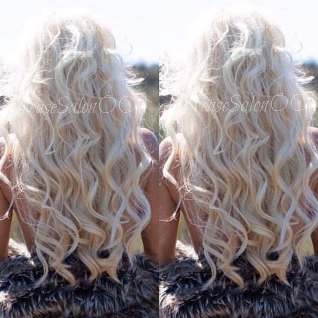 Love her hair, the wAves just don't like to stay put in my hair! Hair styles , long blonde hair , waves , curl