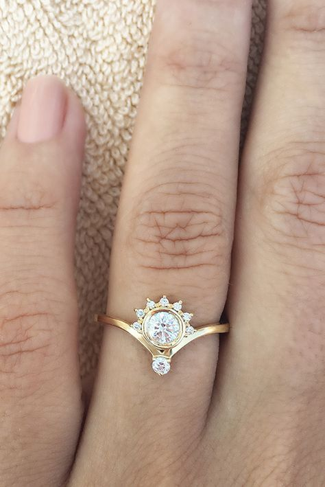 17 Best ideas about Dainty Engagement Rings on Pinterest
