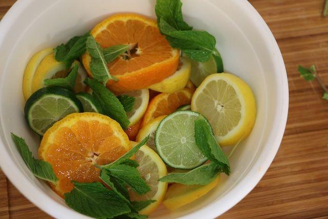 Lime, Lemon & Tangelo Skinny Tequila Sangria #cincodemayo #healthy #cocktails