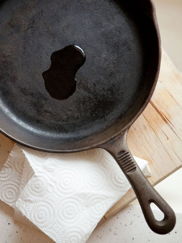 how to clean a rusty iron skillet