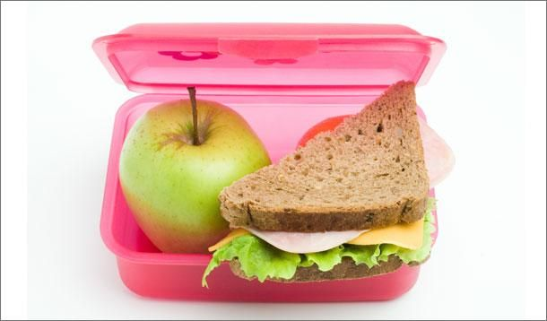 How to Pack a Healthy Lunch Your Kids Will Love #YMCBackToSchool