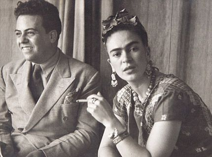 Collection personnelle de photographies de Frida Kahlo, retrouvé chez elle et inédite. Un voyage émouvant raconté par des spécialistes de Frida Kahlo.