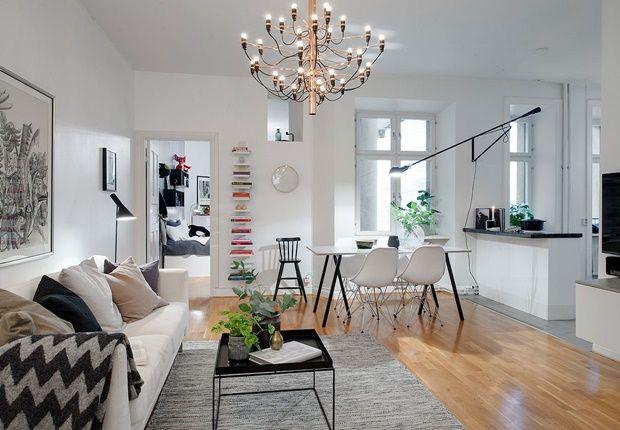Svensk familiehjem med skøn indretning - bemærk den flotte #FLOS lampe #2097 i kobber - set i #Bolig Magasinet