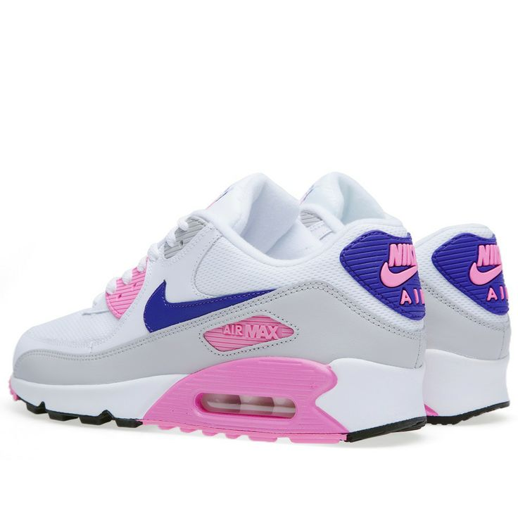 Very nice ladies....nike air max