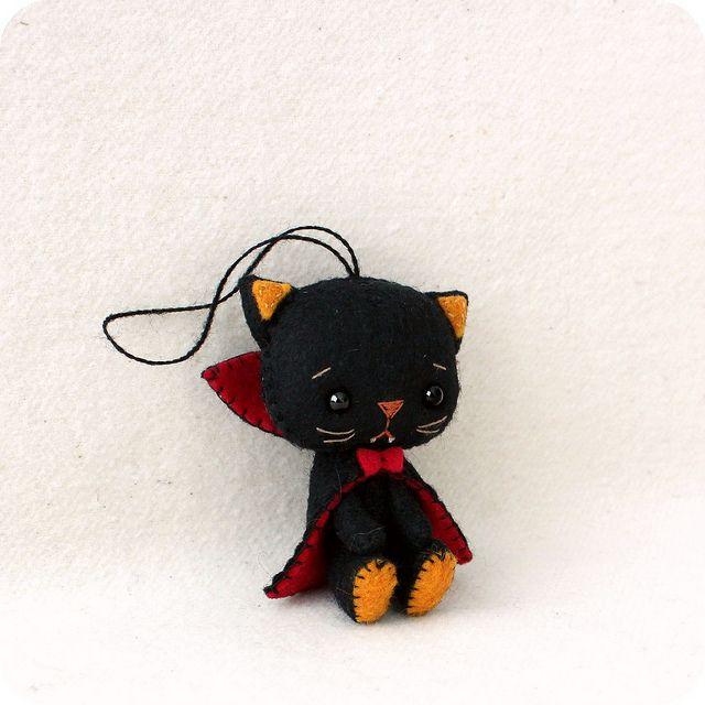 itty bitty vampire kitty   Flickr - Photo Sharing!