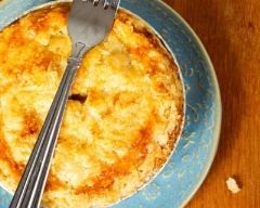 Tourte au crabe express : http://www.cuisineaz.com/recettes/tourte-au-crabe-express-2262.aspx