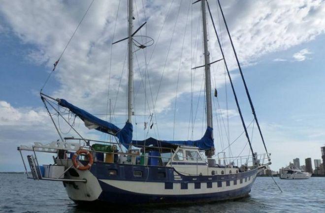 Buscan a tres argentinos desaparecidos en el Triángulo de las Bermudas Los hombres iban a bordo de un velero que perdió contacto el pasado 26 de julio. http://www.argnoticias.com/sociedad/item/39462-buscan-a-tres-argentinos-desaparecidos-en-el-tri%C3%A1ngulo-de-las-bermudas