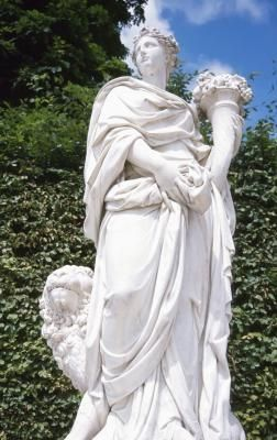 How to Seal Outdoor Statues
