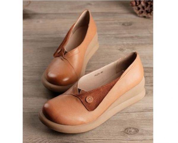 Sapato feminino couro Genuino com Dobra, retro, Salto quadrado, bico redondo, Sola de borracha. Cores Marom claro, marrom escuro Produto Importado Entrega em até 60 dias