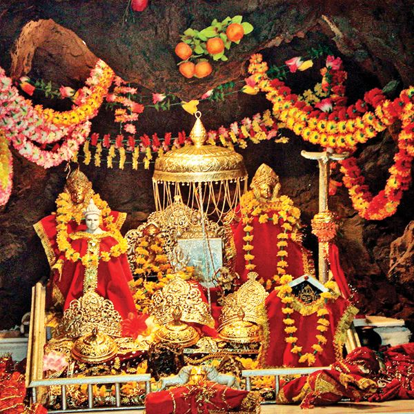 katra to vaishno devi helicopter ticket booking with Maa Vaishno Devi on Trip To Vaishno Devi 32 together with Vaishno Devi Temple together with Instant E Ticketing For Heli Services To Sanjichhat Vaishno Devi Made Operational furthermore Amarnathpackage likewise templeyatri.