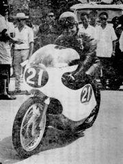 登場人物(伊藤史朗)  1964  シンガポールGPでのワンショット  この後、不幸な事故に見舞われる