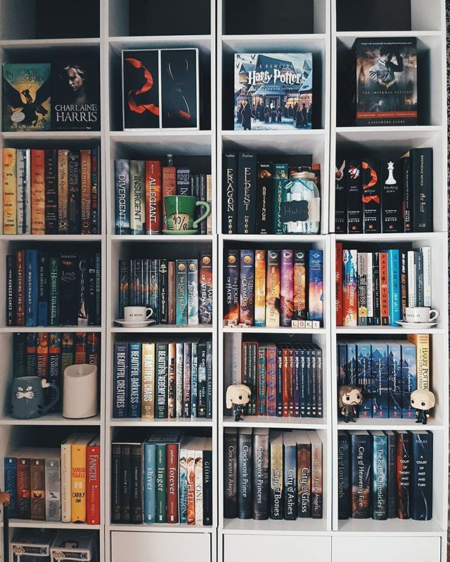 UPDATE: I've just counted and along with my second shelf I now have 267 books...is this a problem? . September 4th - #shelfiesunday . I wish my other shelf had way better lighting as it has more books than this one. I've lost count on how many I own...anyways. Can you spot some of your favourites? I placed my Collectors Edition of my Harry Potter films next to my HP books, but other than that its all books! . #fallthebooks