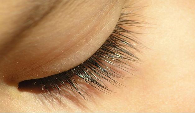 Kuinka kasvattaa terveet ja kauniit silmäripset