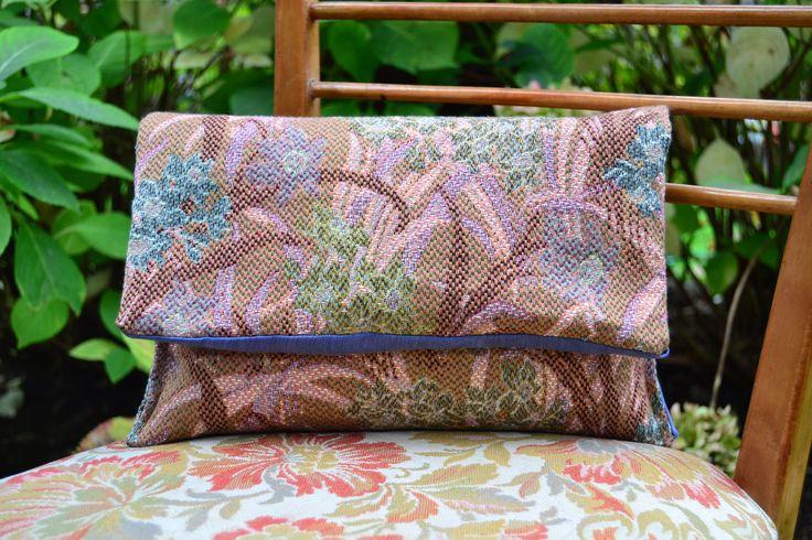 handmade handbag (outside: gobelin tapestry on the contrary, inside: tissue blue navy)