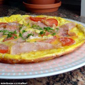 **Blesková večeře :-) Vaječná omeleta se zeleninou, šunkou a parmazánem**
