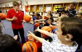 Tech basketball players tells deaf elementary students to go after their dreams