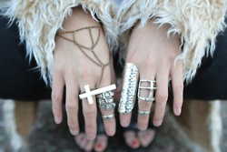 Rings: Fashion Style, Fashion Outfits, Fur, Fashion Rings, Jewelry, Crosses Rings, Jewels, Silver Rings, Ancillary