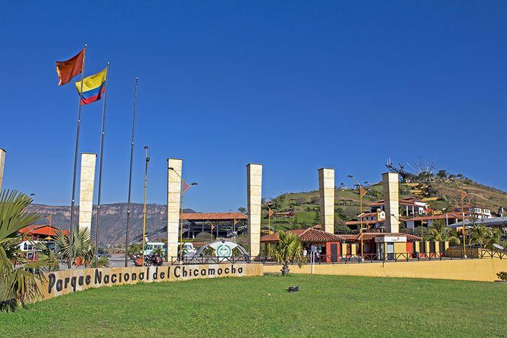 Entrada Parque Nacional del Chicamocha.  El Parque Nacional Del Chicamocha (también conocido como PANACHI), de reciente creación, es uno de los pocos parques naturales de Colombia dedicados al ecoturismo, siendo por tanto uno de los sitios turísticos más importantes del país. Fue abierto al público el sábado 2 de diciembre de 2006.