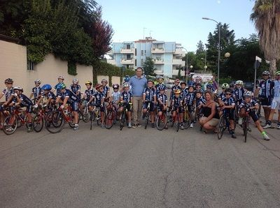 Montesilvano: allenamenti in bici davanti il PalaSenna. I ragazzi, con età compresa tra i 7 e i 12 anni, provenienti da tutta l'area vestina, si sono allenati ieri