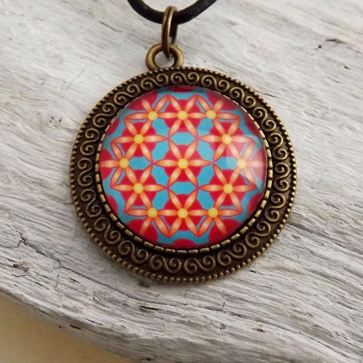 Blume des Lebens, Medaillon 35 mm, Rot, Gelb, Türkis, Mandala Anhänger, Halsketten mit Anhänger, Cabochon Kette, Heilige Geometrie von KIMAMAdesign auf Etsy