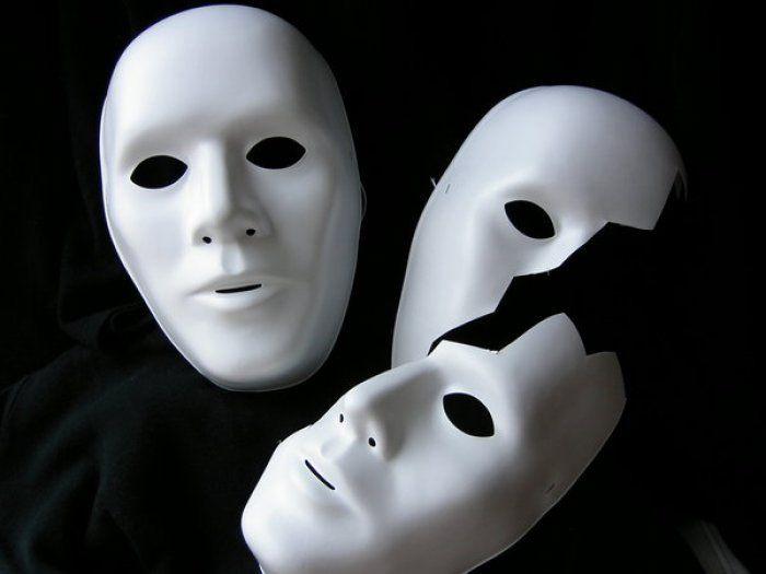Tante maschere senza personalità, a Carnevale (e non solo) trionfa lo stereotipo