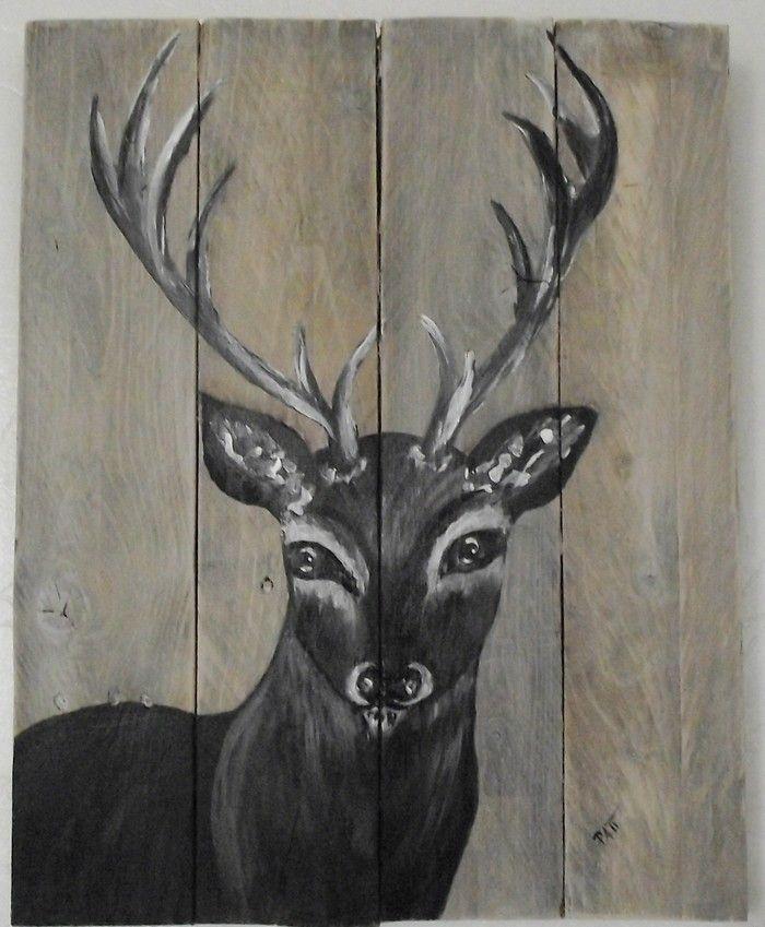Les 25 meilleures id es de la cat gorie bois de cerf peints sur pinterest ramures peints for Peindre du bois vernis en blanc