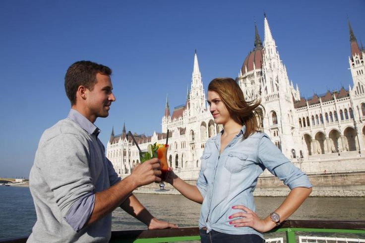 There's no better way to explore the beauty of Budapest than cruising on the Danube while having a cold, refreshing drink!  The 'Cocktail & Beer Cruise' offers a unique experience with breathtaking views of the UNESCO World Heritage Sites of Budapest with Tourboks!
