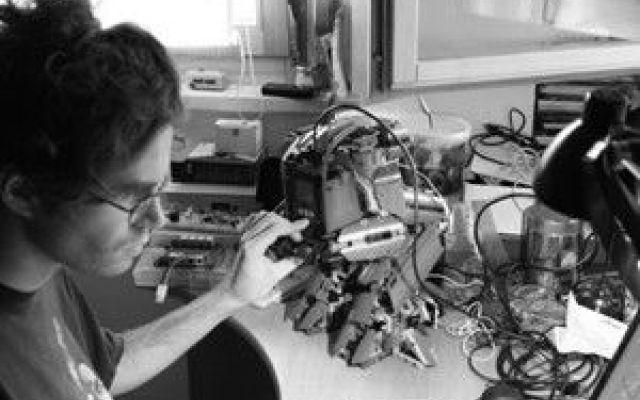 Intervista a Daniele Benedettelli, il Genio LEGO Mindstorms Oggi viene inaugurarata la nuova rubrica Talenti LEGO. Avremo il piacere e l'onore di ospitare persone che hanno a che fare con LEGO. Per il primo episodio abbiamo come ospite nientemeno che Daniele  #lego #mindstorms #danielebenedettelli