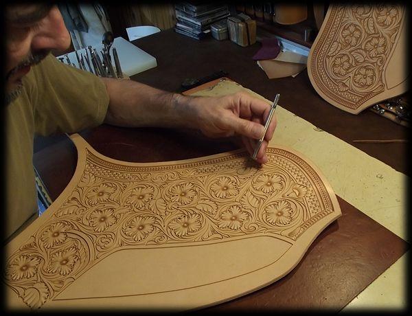 Travail du cuir par la méthode du carving