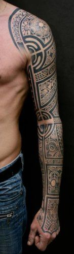Best Tattoo Sleeve Maori Polynésien from Shoulder to Hand of Men by Te Mana.