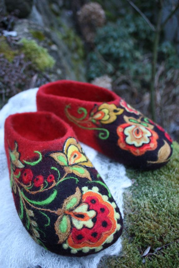 Felted Slippers Tradition Made to order by IrinaU on Etsy, $101.00