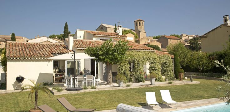 3 bedrooms provence villa 3 bathrooms modern villa in an enclosed garden, private pool, quiet area near to Mont Ventoux