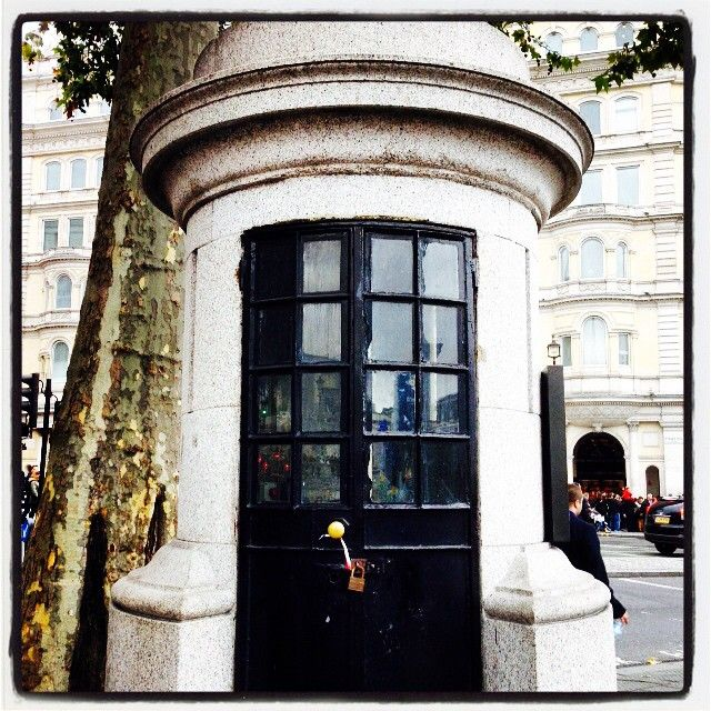 You may walk right past this former one person cell in #TrafalgarSquare if you didn't have the #Kooky #London #App http://bit.ly/11XgicP read about it and more! #ig_London #igLondon #London_only #UK #England #British #iPhone #quirky #odd #weird #photoftheday #photography #picoftheday #igerslondon #lovelondon #timeoutlondon #instalondon #londonslovinit #mylondon #Padgram