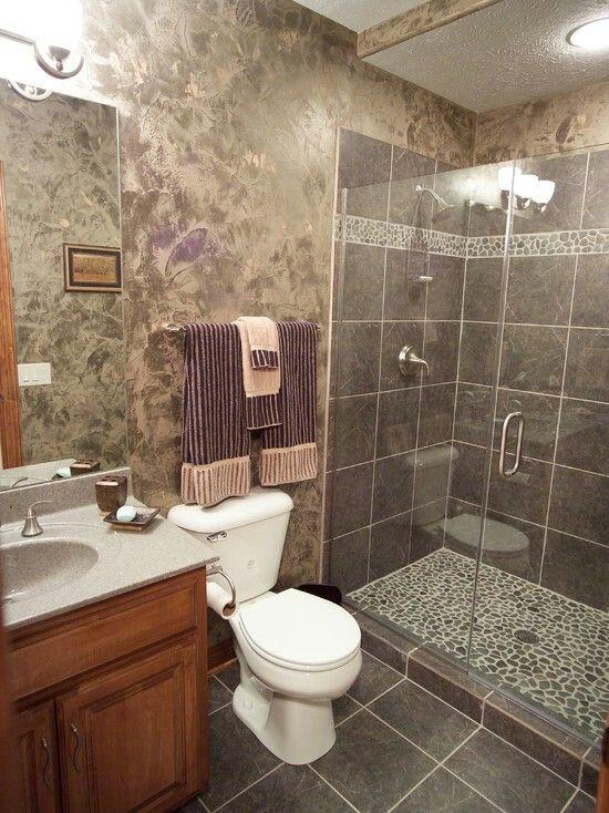 Ducha con el suelo de piedra rodada duchas pinterest for Banos decorados con piedra