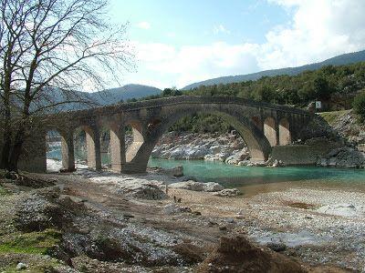 Γεφύρι της Τέμπλας - Βρουβιανά Αιτωλοακαρνανίας - ποτ. Αχελώος (φωτ. Ηλίας Τσέλος)