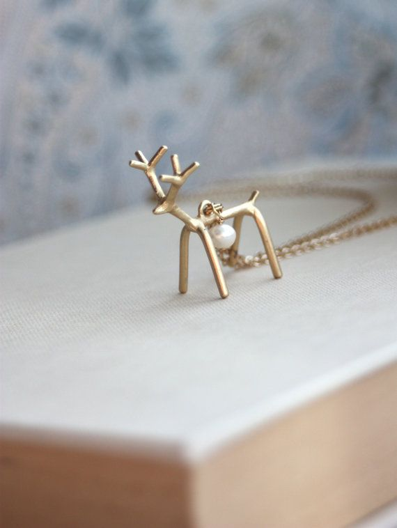 Golden Deer Necklace. Vintage Inspired Deer Necklace, Freshwater Pearl Necklace. Whimsical Gift for Daughter. Christmas Gift. Fall Inspired....