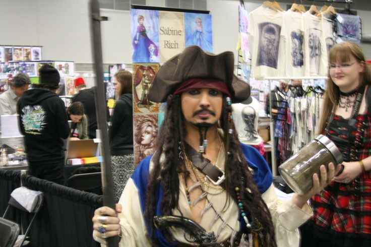 This Jack stayed in character the entire expo.... Now thats commitment, and I love it
