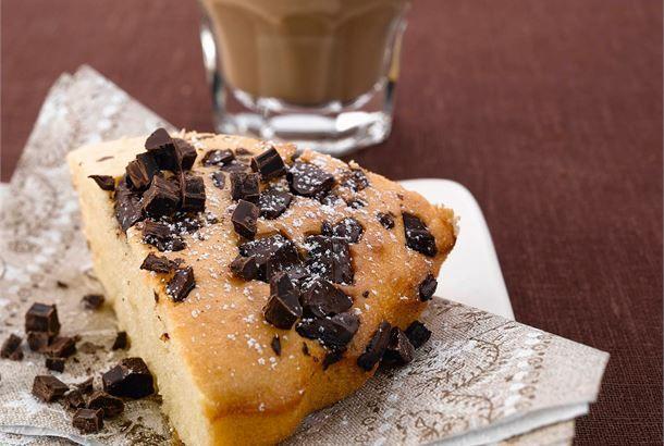 Suklaa-kookospulla on nopea ja helppo arkileivonnainen. Kokeile myös ohjeen lopussa olevaa mustikkapullan ohjetta. http://www.valio.fi/reseptit/suklaa-kookospulla/ #resepti #ruoka