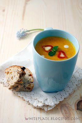 Zupa: Krem marchewkowo-pomarańczowy   White Plate