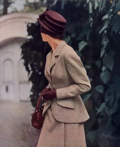 1940 peinados de moda, sombrero y Estilos de pelo