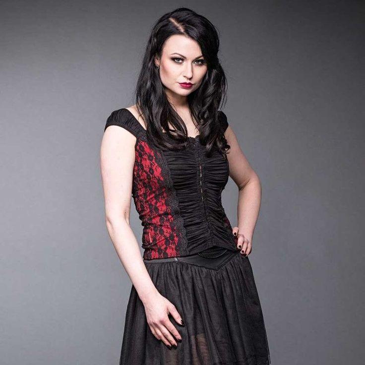 Queen of Darkness Gothic top met zwart kant en rode highlights | Attit