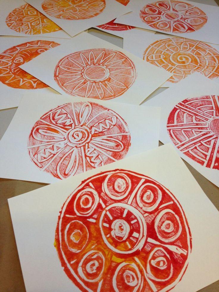 Monoprint Mandalas | TeachKidsArt