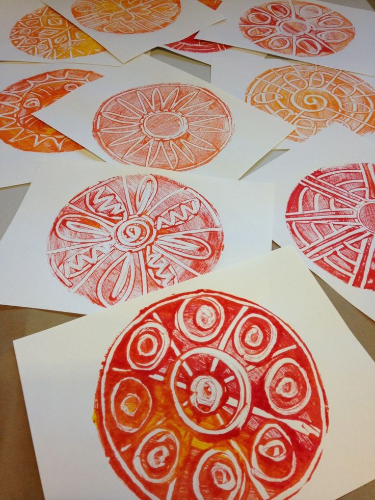 Monoprints: for Dot Day, or for radial design. Could this work using a foam picnic plate???