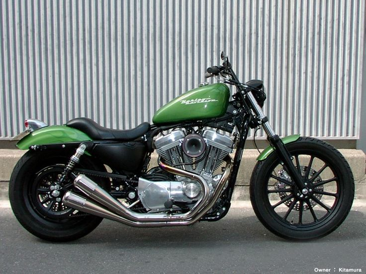 Sportster Harley Davidson - Nice color but needs different pipes and spoke wheels