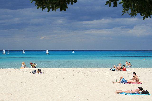 Mondello Beach Palermo, Sicily | Italy www.grabyourbags.nl